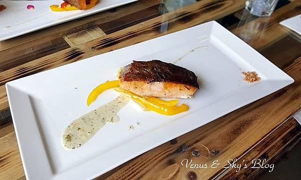 嫩煎鮭魚佐提魚奶油醬_mh1503060864062.jpg