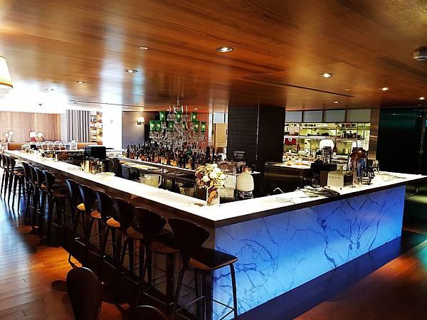 S Restaurant %26; Bar (5)_mh1543675013069.jpg