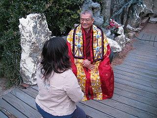 祿東贊法王表示,多杰羌佛是全宇宙有形像的最高佛教總持。