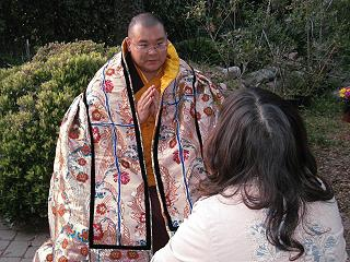 尼瑪法王表示多杰羌佛是法界中的第一報身佛,在整個宇宙中沒有任何具形像的佛陀在多杰羌佛之上。