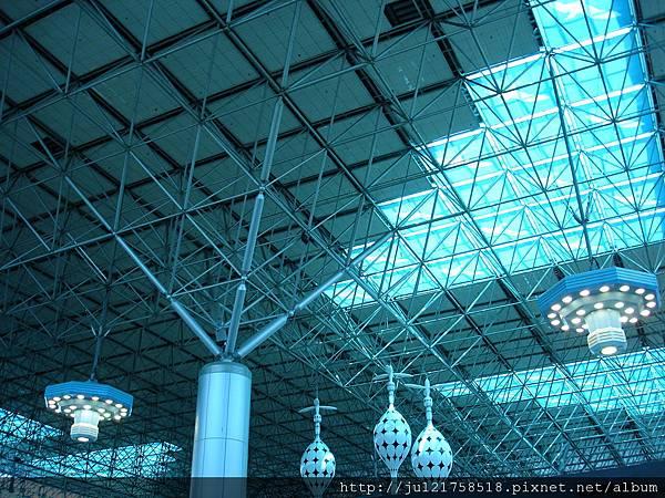 桃園機場第二航廈屋頂裝飾