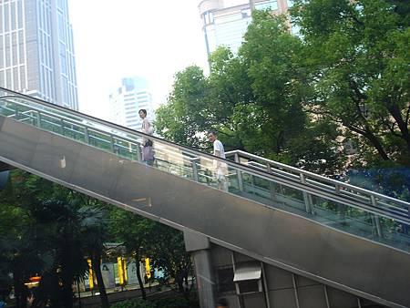 戶外手扶梯天橋