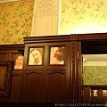 老上海餐廳牆面上當年紅極一時的影星照片
