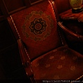 老上海餐廳走道椅近拍