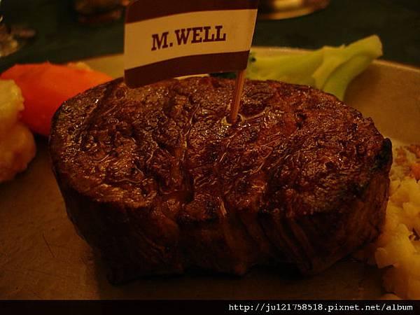 三十年以上的老字號牛排館-亞里士餐廳