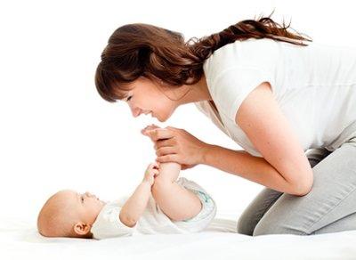 簡單按摩術 讓寶寶安心進入夢鄉