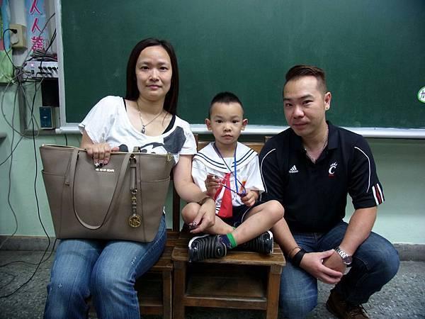 敦小(104)103-開學日親子照