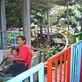 小辣椒和姑姑坐雲霄飛車