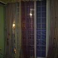 陽台門的窗簾有浪漫的味道