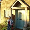 快到old mill了  在別人家門前拍的很開心