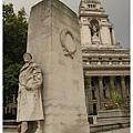 倫敦塔旁的戰爭紀念公園  (名字忘了 XDD)