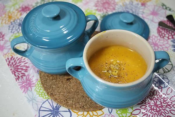 地瓜濃湯 in Le Creuset雙耳醬汁壺