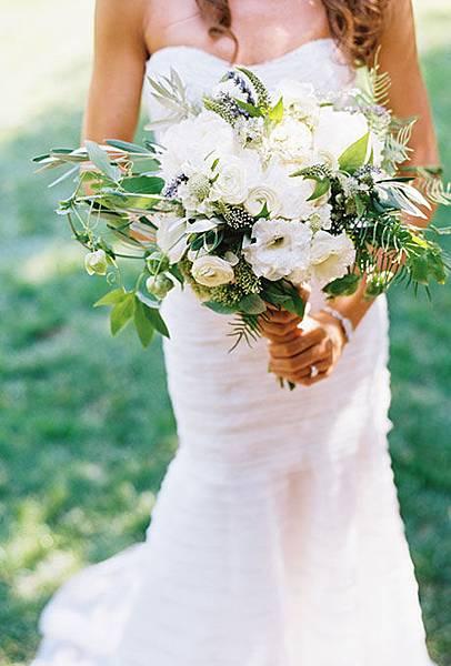 Best-Real-Wedding-Bouquets-Brit-Mark-Spiral-Hand.jpg