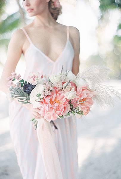 organic-wedding-bouquets-melanie-gabrielle.jpg
