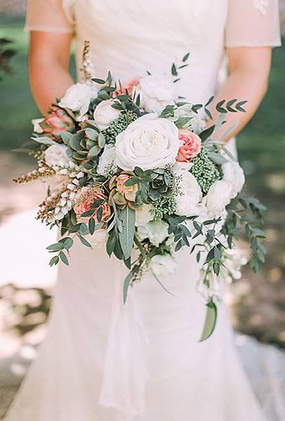 Rose-Wedding-Bouquets-Paul-Sargeant.jpg