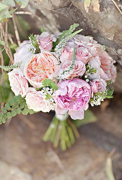 Rose-Wedding-Bouquets-Glass-Jar-Photography.jpg