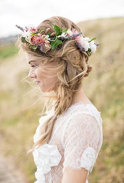 braided-hairstyles-flower-crown-side-braid-lovedale.jpg