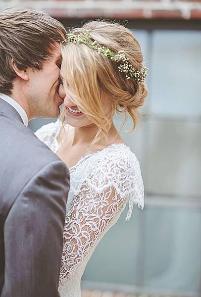 flower-crowns-floral-crowns-wedding-hairstyle-ideas-babys-breath-flower-crown.jpg