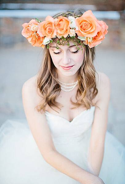 flower-crowns-floral-crowns-wedding-hairstyle-ideas-peach-and-blush-rose-flower-crown.jpg