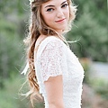 flower-crowns-floral-crowns-wedding-hairstyle-ideas-rustic-white-flower-crown.jpg