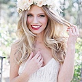flower-crowns-floral-crowns-wedding-hairstyle-ideas-romantic-white-and-blush-flower-crown.jpg