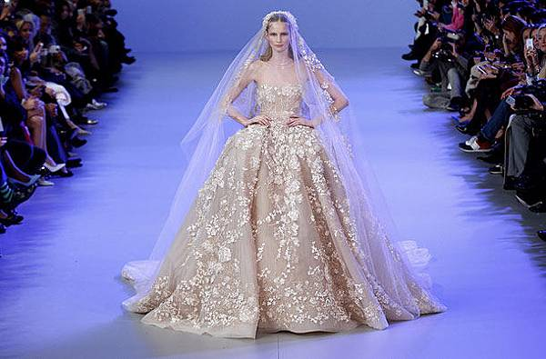 wedding-dresses--My-Wedding-Scrapbook-6