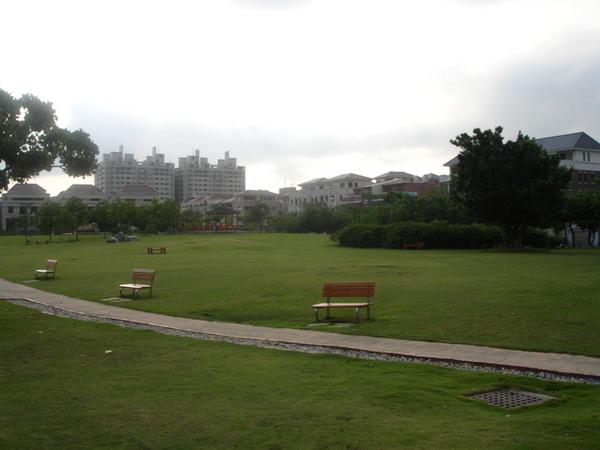旁邊的公園