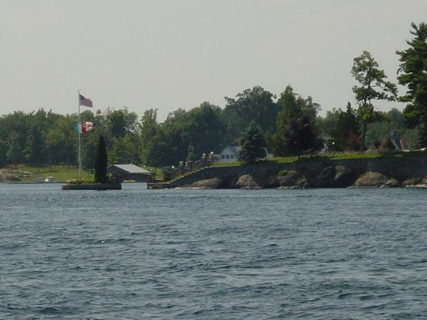 過了橋就是加拿大啦