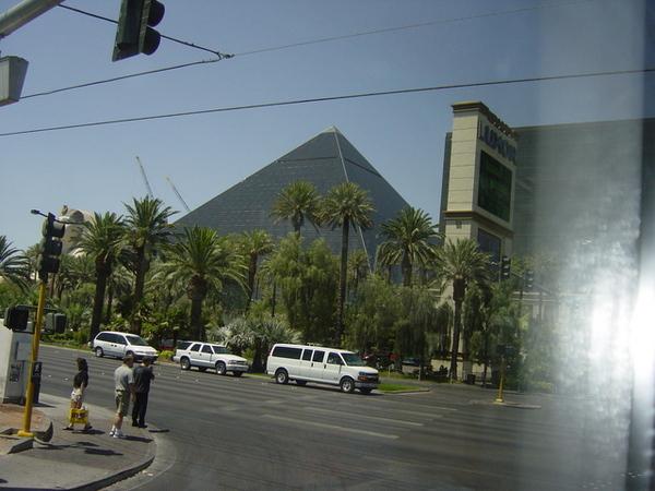 金字塔飯店