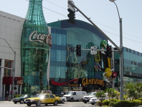 可口可樂和MM商店
