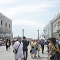 這裡是威尼斯最熱鬧的地方啦