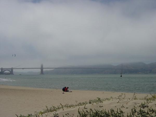 常年雲霧的金門大橋