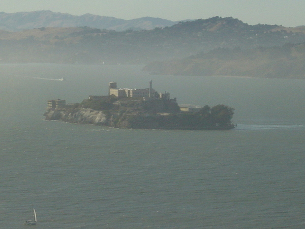 孤獨的惡魔島