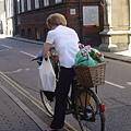 滿街都是單車喔