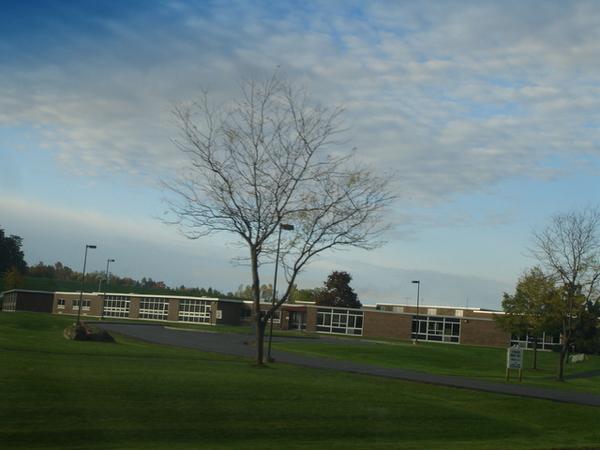 VIvian未來的中學