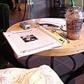 Starbucks看書記