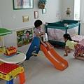 Nana和Vivian的起居室