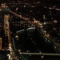 夜晚的巴黎