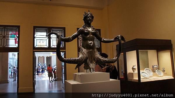 它是傳說中的星巴克女神嗎?