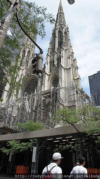 整修中的聖派屈克教堂