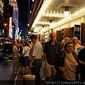 百老匯散場時人潮果然多