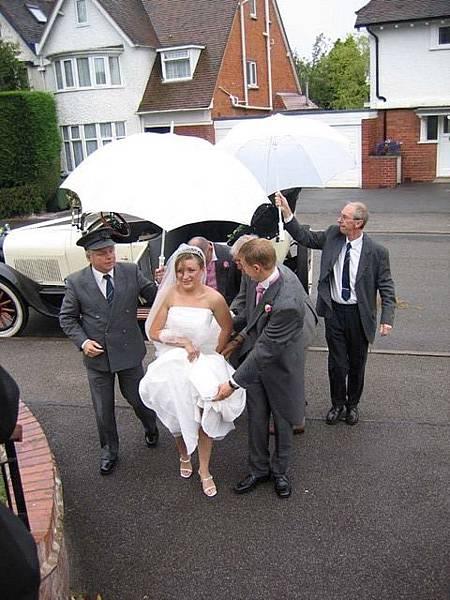 8 bride arriving.jpg