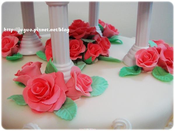 翻糖造型蛋糕-玫瑰花雙層結婚蛋糕.JPG