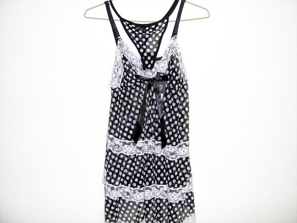 黑白點點蝴蝶結性感睡衣