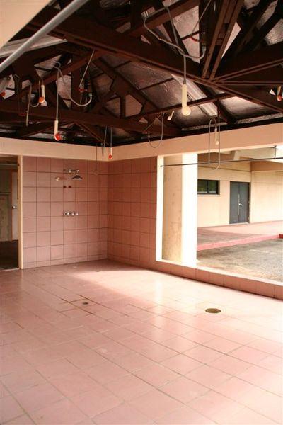 急診室外的除污區,這是我們沒有的