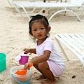 我在玩沙,不要吵我