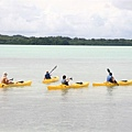 Kayaking的一行人,這時要幫忙顧小孩,下午換我們去