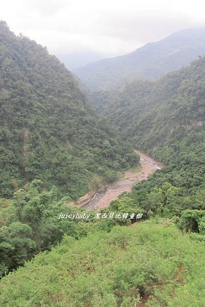 122縣道五峰鄉峽谷景觀