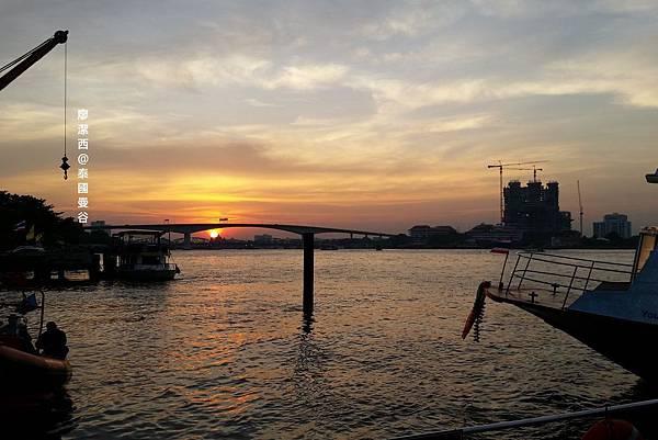 曼谷/往河畔碼頭夜市