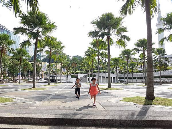 【馬來西亞/吉隆坡】從百年車站走到獨立廣場